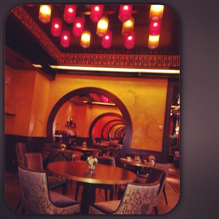 Buddha-Bar Hotel Paris: restaurant