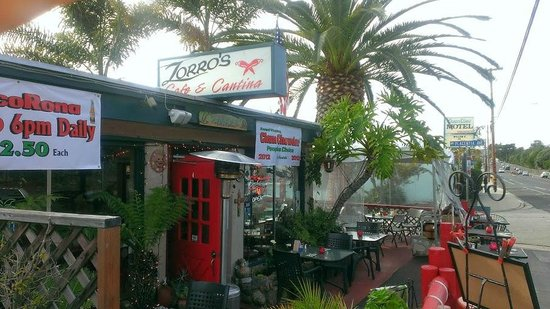 Zorro's Cafe & Cantina: Zorro's Shell Beach exterior