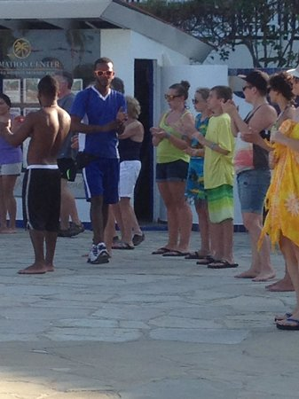 The Tropical at Lifestyle Holidays Vacation Resort : Dance lessons