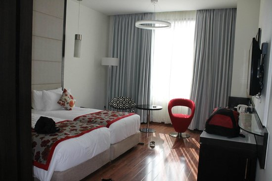 E Hotel: Room
