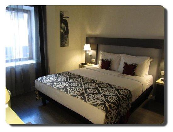 Hotel Palazzo Zichy : Camera ben arredata, ottima biancheria, pulitissima