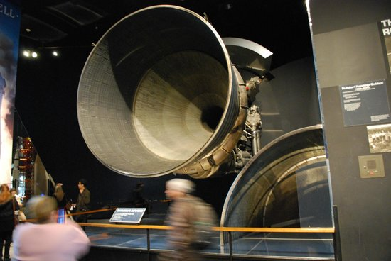 National Air and Space Museum : Saturn V engine