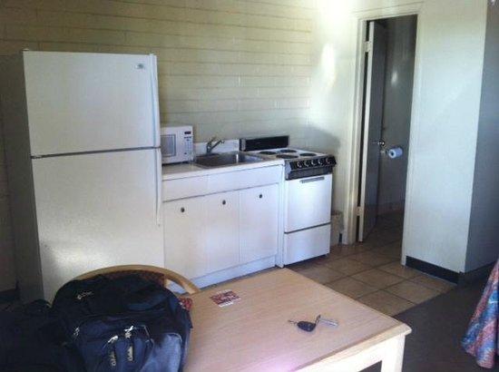 Grande Vista Motel : Full kitchen - great for fersh produce from local markets!