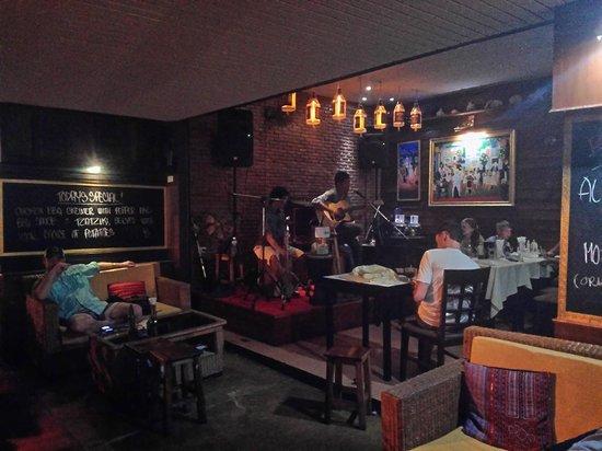 Cafeopera Live - Kata Beach: Il palco musicisti