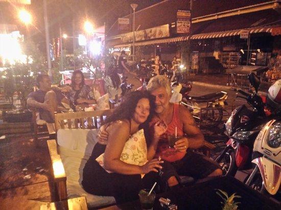 Cafeopera Live - Kata Beach: Tavoli esterni