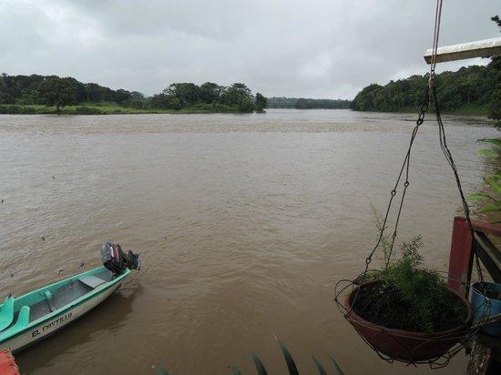 Casa de Huesped - Restaurante Chinadegano: Vistas al río