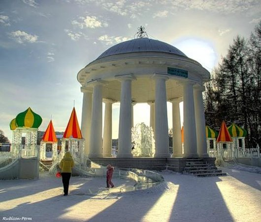 Perm, Russie : Пермская деревянная ротонда