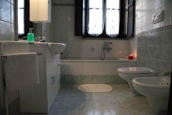 bed breakfast e non solo bagno con vasca