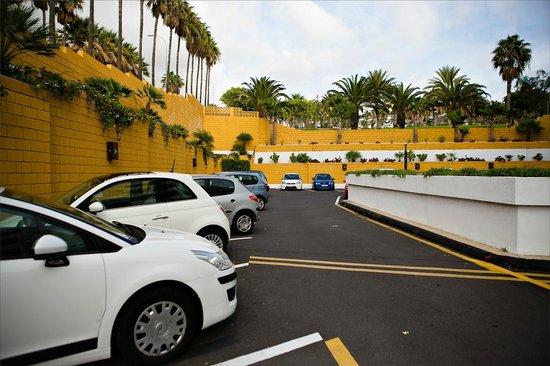 Iberostar Las Dalias : Парковка отеля