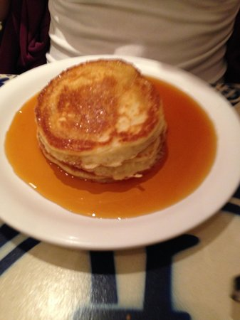Pancakes Amsterdam : American pancakes with maple syrup