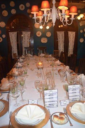 Cornelio Restaurante : Presentación de la mesa principal
