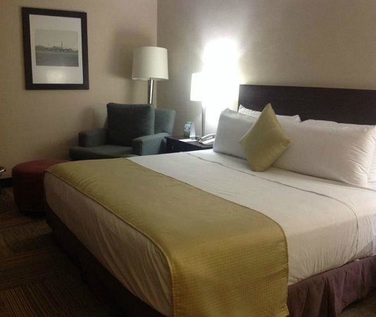 Miami International Airport Hotel : view of my room