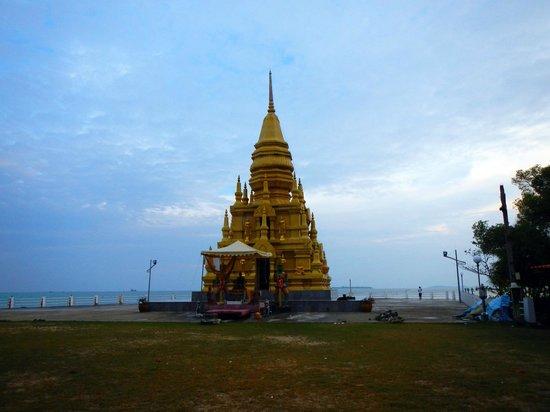 Maret, Tailandia: Laem Sor Pagoda