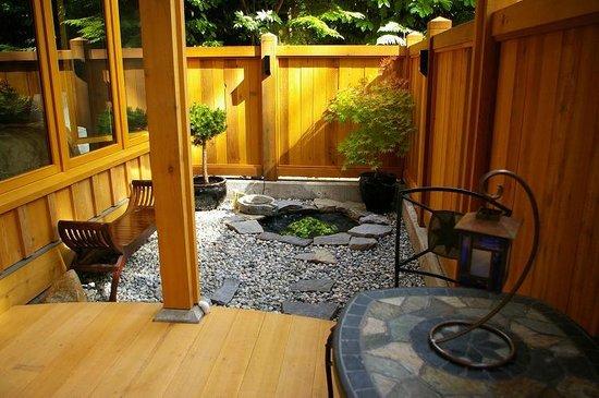 Shades of Jade Inn and Spa : Tea Garden