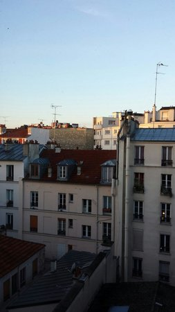 Mercure Paris Bastille Marais: Vue depuis la chambre 504 côté cour