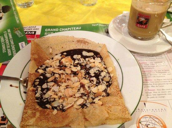 A la Cote Bretonne : chocolate, almond crepe & cafe au lait.