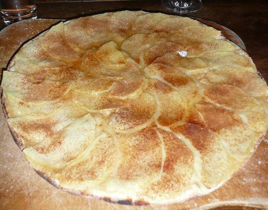 Gugelhof: excellent dessert, très fin. tarte flambée aux pommes