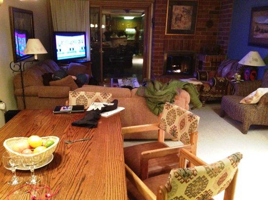 Bear Claw Condominiums: Dining / Living Room