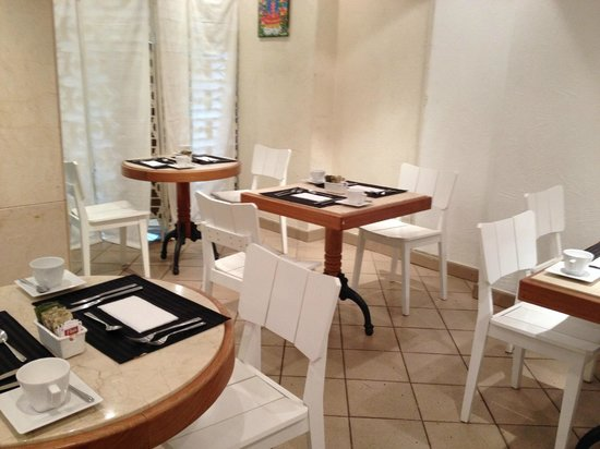 Ipanema Inn : mesas de desayuno bajar abrigo porque ponen el aire fuerte
