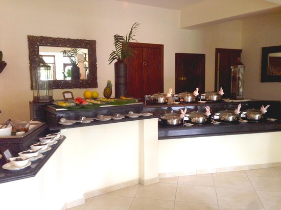 Baraza Resort & Spa : Buffet mediodia