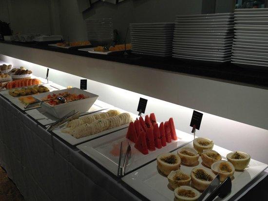 Ipanema Inn: Desayuno variedad de frutas