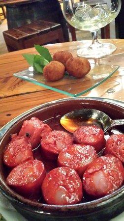 Bodegon Las Tapas : chorizo in wine