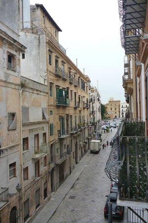 Hotel Palazzo Sitano: Via Bottai from room