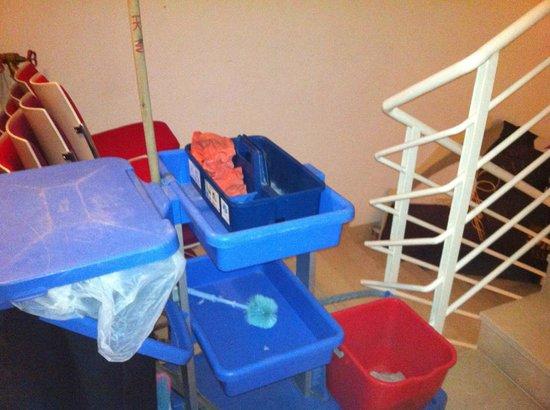 Novotel Mohamed V : Fire exits used for furniture storage, blocking escape