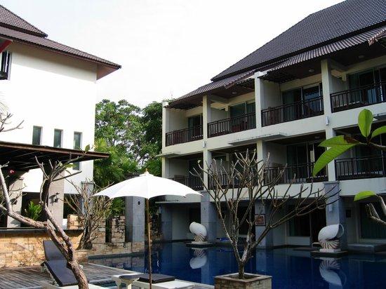 Lanta Sand Resort and Spa : Det er værelserne set udefra