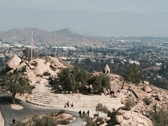 Mount Rubidoux Park: View from the top of Mt. Rubidoux