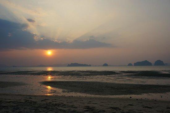 The Tubkaak Krabi Boutique Resort: Sunset View