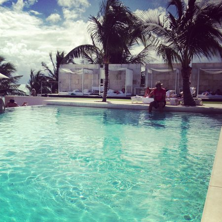 Blue Diamond Riviera Maya: Pool view