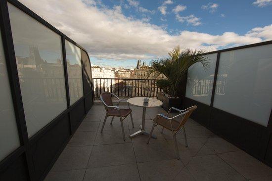 Hotel Villa Real: Терраса