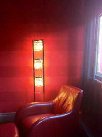 Velvet Hotel: room 24