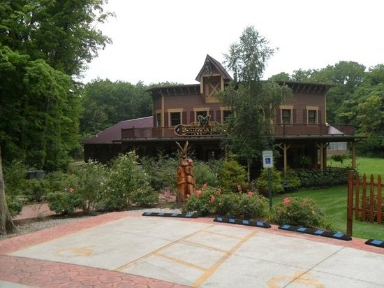 South Bass Island: The butterfly museum also next door to perry's cave.