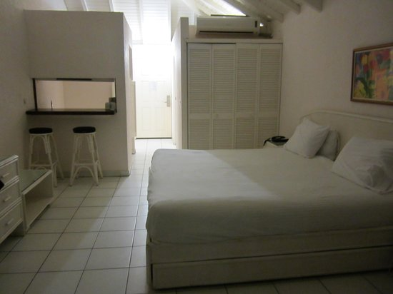 Captain Oliver's Hotel: room 407