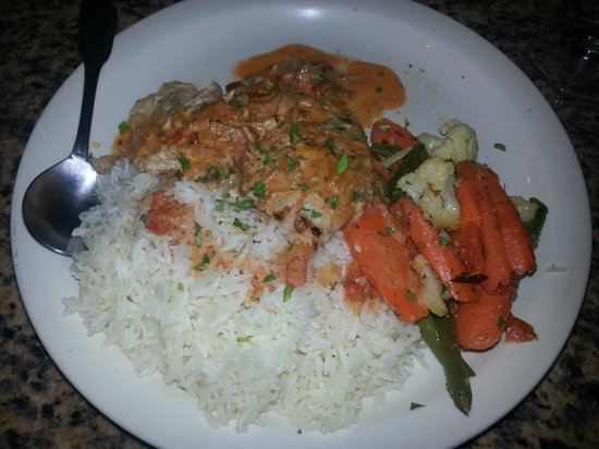 Mo's Restaurant: Snapper filet with rice and veggies