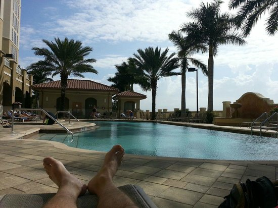 The Westin Cape Coral Resort At Marina Village : Relaxing poolside
