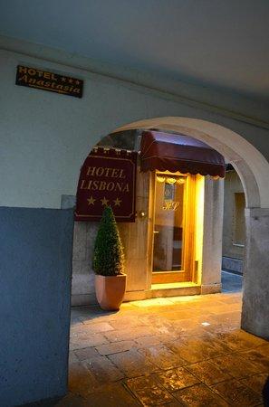 Hotel Lisbona : Entrance