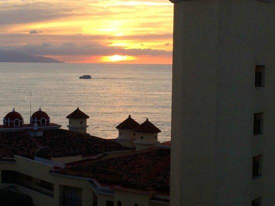 Velas Vallarta: Banderas Bay Sunset from Top Floor