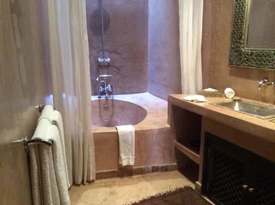 Riad Noir d'Ivoire: Guepard bathroom