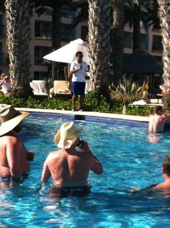Hyatt Ziva Los Cabos: Carlos hosting the music trivia pool side!