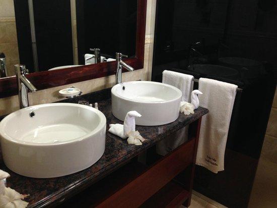 Pirogue Lodge : Ванная комната