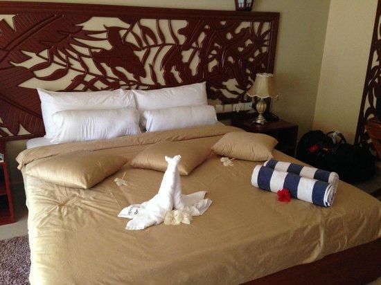 Pirogue Lodge : Кровать