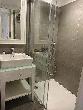 Efe Boutique Hotel: The shower is great