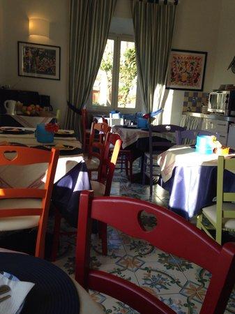 Hotel L'isola: La sala della colazione