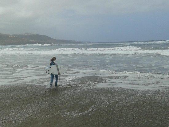 Playa de Las Canteras: Surfing