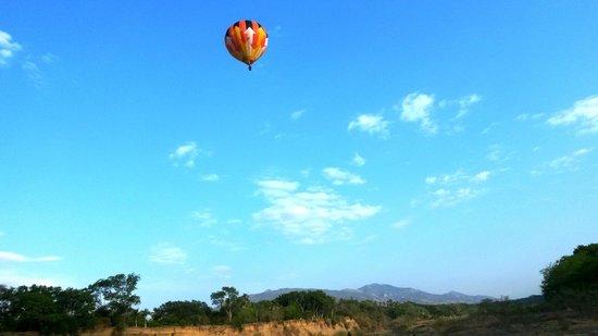 Hotel Porton del Sol: Vuelo en globo con el personal de Caracol Internacional
