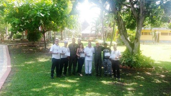 Hotel Porton del Sol: Entrega de Certificados de Vuelo a los Aeronautas del globo