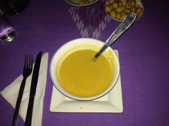 Aladdin Restaurant : Starter - Vegetarian Soup (Carrot)